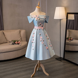 En Stock Really Photo Sky Blue Boat cuello manga corta Vestido De Formatura Satén con rebordear flores vestido de bola 2017 vestido de fiesta