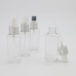 China 50pcs lot 50ml Small Clear Square Travel Refillable Plastic Spray Bottle Perfume Sprayer Cosmetic Atomizers supplier square perfume bottle spray suppliers