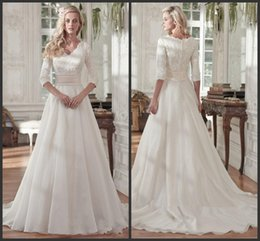 Barato Mais Tamanho Vestido De Lantejoulas-2018 com meia mangas Vintage V Neck Sequin Ruched Organza Plus Size Covered Botões Bridal Gown Modest Beaded Lace A Line Wedding Dresses