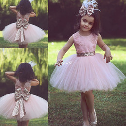 China Cute Pink Short Flower Girl Dresses for Country Wedding Party Bog Sequined Bow Tutu Crew Neck Lace Baby Child Birthday Formal Dresses 2017 supplier cute baby girls weddings dress suppliers