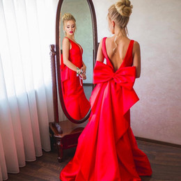 Barato Trem Grande Arco-Pretty Red Satin Mermaid Prom Dresses Deep V Neck Backless Prom Vestidos com Big Bow Fuchsia Purple Mermaid Evening Dresses Sweep Train