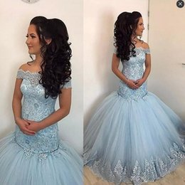 Filles Sexy Habillées De Dentelle Pas Cher-Light Blue Off The Shoulder Quinceanera s'habille Appliques Lace And Tulle Girls Pageant Robe Longueur à pied Lace Up Back Mermaid Prom Dress
