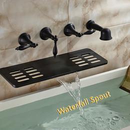 Ingrosso All'ingrosso e al minuto fissato al muro vasca da bagno rubinetto rubinetto bronzo lucidato cascata beccuccio w / portasapone doccia a mano spruzzatore