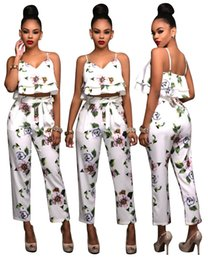 Barato Mulheres Calças Brancas Soltas-Woman Printing Two Piece Sets 2017 Woman Fashion Loose Sexy Backless Lotus Leaf Harness Tops Woman White Bandage Pencil Calça