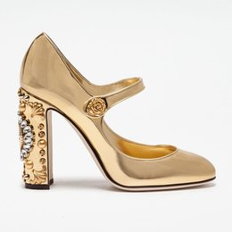 $enCountryForm.capitalKeyWord UK - 2017 Luxury Vintage High Heel Women Pumps Diamond Watch Rivets Evening Party Formal Shoes Sweet Princess Diamond Dial Wedding Dress Shoes