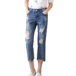 Barato Mulheres Novas Do Estilo Das Calças Soltas-Estilo coreano Primavera New Loose Ladies Jeans Broken Skinny Pants Hole Cropped Pants com anel Design Slim Fit para mulheres