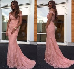 Barato Vestido De Baile De Finalistas-Off Shoulder Lace Pink Mermaid Vestidos de noite Illusion Back Lace Prom Dresses Elegant Mermaid Prom Dress Formal Evening Dresses Formal Gown