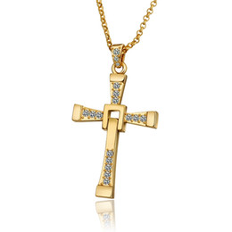 China High quality men's cross 18k gold jewelry pendant necklace WGN703,A++ Yellow Gold white gemstone Necklaces with chains cheap 18k yellow gold cross pendant suppliers