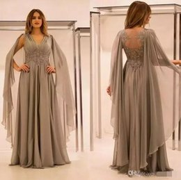 2018 images formal short line lace dress 2017 Vintage Gray Long Formal Mother of Bride Dresses V Neck Illusion Back with Lace Appliques Long Formal Evening Party Wear Mother Gowns images formal short line lace dress on sale