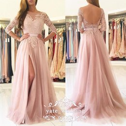 Barato Blush Vestidos De Renda Mangas-Blush Pink Prom Dresses Bateau Sheer Neck 3/4 mangas compridas Lace Tulle Split Side Floor Length Backless Evening Gowns Vestidos de festa
