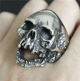 Men Size 15 Rings Canada - 2pcs lot Newest Size 7-15 Huge Skull Cool Ring 316L Stainless Steel Fashion Jewelry Band Party Men Boys Evil Skull Ring