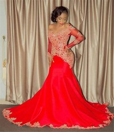 Barato Elegante Vestido Vermelho Com Mangas-Elegant African Prom Dresses 2017 Sexy Off the Shoulder Appliques Beads Red Mermaid Evening Dresses Long Sleeved Prom Gowns