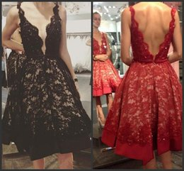 Robes Courtes Taille 4 Pas Cher-2017 Sexy Red Black Prom Robes Deep V Neck Full Dentelle Perlée Backless Courte Longueur du genou Plus Size Formal Evening Party Pageant Gowns