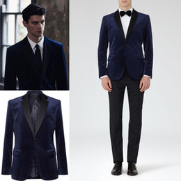 Pièce De Toilette Pas Cher-2017 Navy Blue Groom Tuxedos Groomsmen Custom Made Velvet Two Pieces Slim Fit Best Man Suit Mariage / Costumes pour hommes Bridegroom (Jacket + Pants)