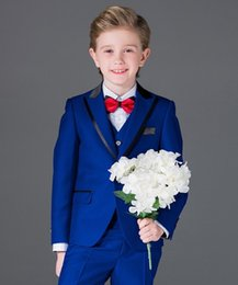 Pantalones Azul Chaleco Chaleco Baratos-Trajes para niños Royal Blue Formal Flower Boys Smoking Tuxedo PageBoy Party Prom Suits 3 piezas (chaqueta + chaleco + pantalón) por encargo