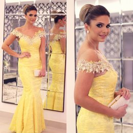 Robes Longues En Bandage Long Pas Cher-Sexy Mermaid Lace Yellow Long Robes de soirée V-Neck Applique Off the Shoulder Beading Design Sweep Train Formal Prom Gowns