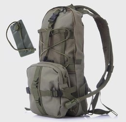 NyloN water bladder online shopping - Outdoor Sports Multi function Portable Riding Camouflage Shoulder Bag Cycling Water Bag Backpack Pack Hydration Pack with L Water Bladder
