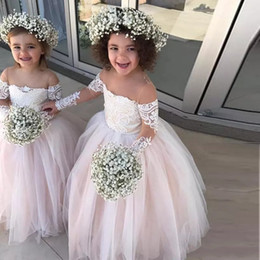 Barato Vestidos De Princesa Azul Menina Criança-Princess Ball Gown Tulle Flower Girls Dresses Sheer Neck Manga comprida Appliques Lace White Ivory Toddler Wedding Dresses