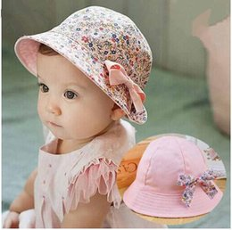 Caps Summer For Girls Pas Cher-Chapeau Chapeau Bowknot Floral Summer Baby Flower Fisherman Coton Kids Cap Sun Bucket Chapeaux à double face 2017 Baby Best Gifts Livraison gratuite