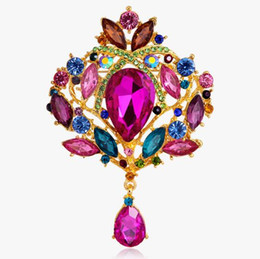 $enCountryForm.capitalKeyWord UK - 2017 HOT high-grade water drill alloy brooch crown glass corsage factory wholesale duo