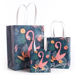 $enCountryForm.capitalKeyWord Canada - Art Cartoon Flamingo handbag paper Candy box Shopping Storage bag Gift Bag for Wedding party birthday Decoration 10pcs lot