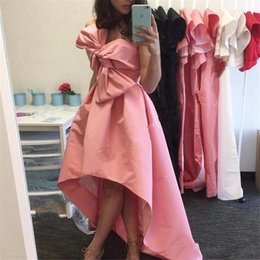 Robe Rose À Dos Pas Cher-2017 Style arabe simple Dubai Robes de soirée sans manches Dubai Short Front Long Back Pink Femmes Formal Evening Gowns Prom Party