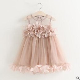 Barato Roupas Femininas Para Festas-Baby Girls Dress Outfit 2017 Summer Tulle Petal Dress para meninas Cute Princess Gauze Dresses Vestido de noiva Toddler Infant Party Clothes 533