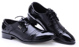 Style Wedding Dresses For Men Canada - British Style Fashion Patent Leather Men Dress Shoes Pointed Toe Mens Work Wedding Shoes For Men Shoes