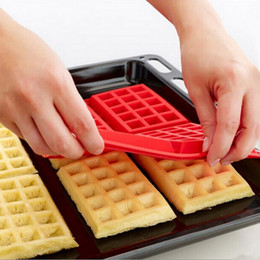 $enCountryForm.capitalKeyWord Canada - 2016 Hot Sale Safety 4-Cavity Waffles Mould Cake Chocolate Pan Silicone Baking Moulds Cooking Tools Kitchen Supplies Accessories