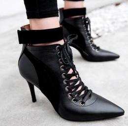 $enCountryForm.capitalKeyWord Canada - HOT sale! best quality! genuine leather gold heel short boots black white low med v luxury designer
