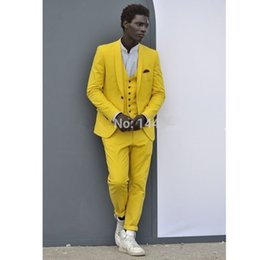 men yellow wedding suit Australia - Wedding Suit 2018 Custom Made Yellow Best Man Tuxedo Groom Wedding Men Suits 3 pieces (jacket + pants + vest) custom made