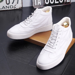 Brand High Board Shoes Canada - Men's Fashion Skating Board Shoe Lace-Up White Shoes Mens Brand Casual High-Top Sports Flats Man Nightclub Party Ankle Boots