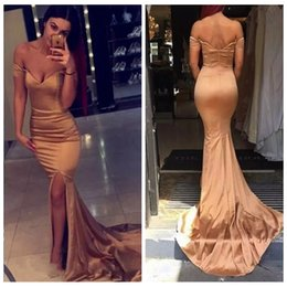 Barato Vestidos De Formatura Promocionais On-line-Off Shoulder Mangas curtas Gold Prom Dresses Slim Custom Online Ocasião especial Party Vestidos Long