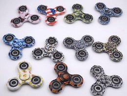 style spinner 2018 - Camouflage Tri Fidget Spinner camouflage Spinner Gyro Cross Style EDC Torqbar Handspinner Desk With Reatail Box Free DHL