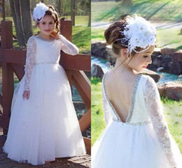 Barato Meninas Pequenas Vestidos Brancos-Vintage Lace Pageant Vestidos Kids Teens Formal Wear Branco Backless Graduação Vestido Crianças Beaded Long Sleeves Prom Dress Meninas
