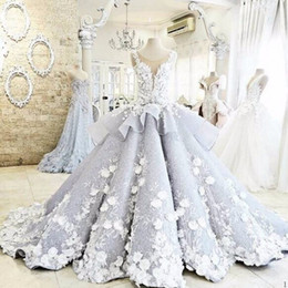 Wholesale Luxury D Floral Appliques Wedding Dresses Sheer Neck Sleeveless Peplum Ball Gown Bridal Gowns Custom Made Illusion Back Vestidos