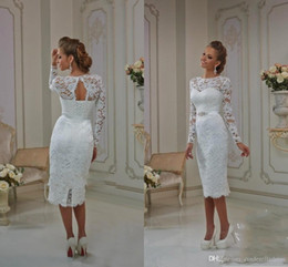 Vestido De Novia De Manga Larga Nupcial Baratos-2017 longitud de té vestidos de novia Bateau vaina encaje mangas largas Illusion Verano playa vestidos de novia Lace Up Split Back ojo de la cerradura Backless baratos