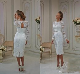 Discount ivory champagne applique back wedding dresses - Tea Length Wedding Dresses Bateau Sheath Lace Long Sleeves Illusion Summer beach Bridal Gowns Lace Up Split Back Keyhole