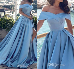 Barato Barato Longa Cetim Robes-2018 New Light Sky Blue Off-Shoulder Evening Dresses Tribunal Train Ruched Placas Satin Long Split Evening Wear Vestidos de baile Robe De Soiree barato