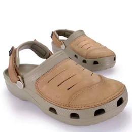 6395bf22adf4f Homens e mulheres da moda marrom tamancos chinelos sapatos levemente  sapatos de praia verão jardim homem