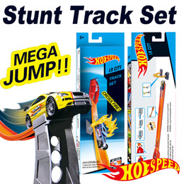 Plastic Train Kits Canada - Hot Wheels Track Builder System Versus Track Set Jump Stunt Kit Playset n' Go Mini Alloy cars Diecast Vehicle Track Racing kids toys
