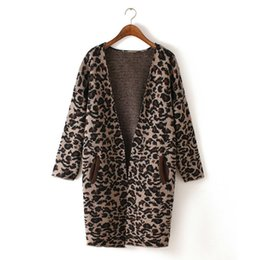 Barato Batwing Camisolas Leopardo-Atacado- Casual Loose Women Batwing Sleeve Leopard Pattern Long Cardigan Oversized Outono Inverno Thick Wool Blend Sweater Outwear
