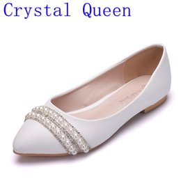 $enCountryForm.capitalKeyWord Canada - Crystal Queen Women Bridal Shoes handmade Lady pearl white wedding shoes flats sexy comfortable White Pearl Dress Shoes