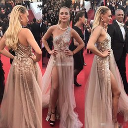 Barato Um Ombro 26w Ouro Sequin-Sexy Cannes 2017 Celebrity Dresses Rose Gold Sequins com Tulle Train One Shoulder Backless Cheap Split Evening Gowns Long Party Queen Dress
