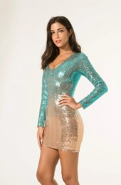 Robes Courtes D'hiver De Dames Pas Cher-Ladies Winter Robes de soirée Ladies Chic robe de bal courte Ombre Robes de soirée formelle Long Sleeve V-Neck Sequined Mini Dress