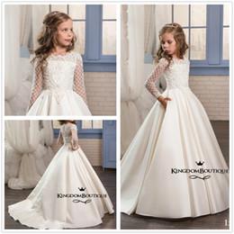 $enCountryForm.capitalKeyWord Canada - New Elegant Long Sleeves Lace Top Flower Girl' Dresses Satin Applique Beaded Floor Length Little Girls 'Bridal Wedding Party Dresses