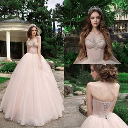 Robe À Lacets À Longue Palette Pas Cher-Broderie 2017 Sweetheart Robes de mariée Tiered Tulle Ball Gown Lace Up Robes de mariée en satin sans manches