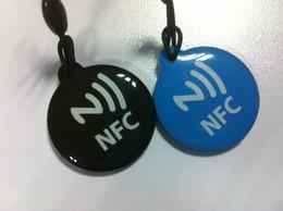 100pcs / bag NFC Tag para teléfono Lumia Android Galaxy S4 Google Nexus Nokia BlackBerry Samsung Sony HTC LG RFID IC NDEF NTAG213