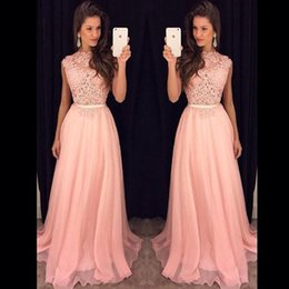 Barato Vestido, Fluxo, Chão, Comprimento-2017 Long Prom Dresses Plus Size Novo Pink Chiffon Illusion Lace Top Flow Pavimento Comprimento Evening Vestidos De Fiesta Party Dress with Belt Gowns