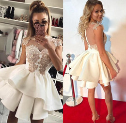 Vestido De Encaje Junior Marfil Baratos-2017 Classic Short Sheer Ivory Homecoming Dresses for Juniors Lace Appliques Cocktail Graduación Vestido A Linea Mini Prom Party Gowns